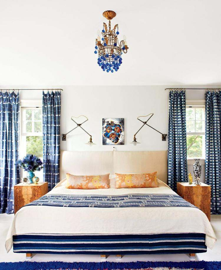 diseño cortinas azules motivos blancos