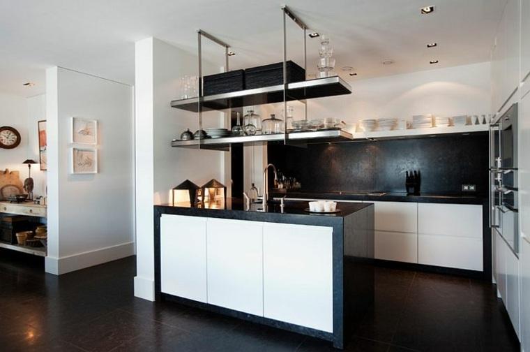 cocina pequeña blanco negro pared