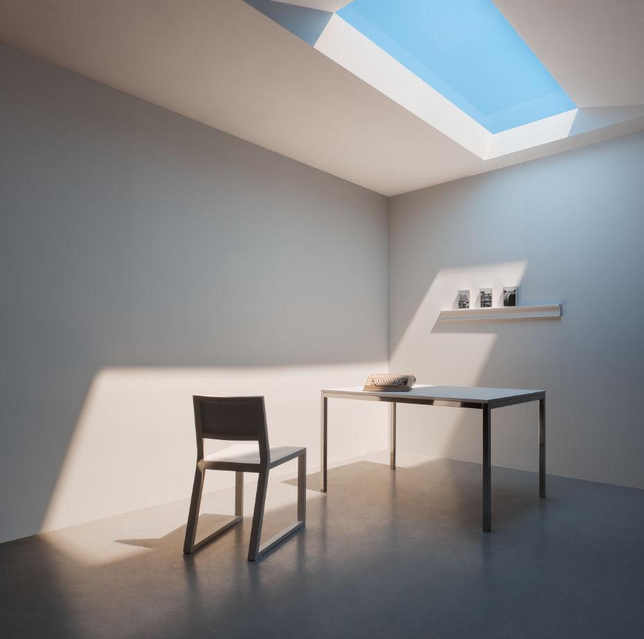 cuarto pequeño estilo minimalista claraboya