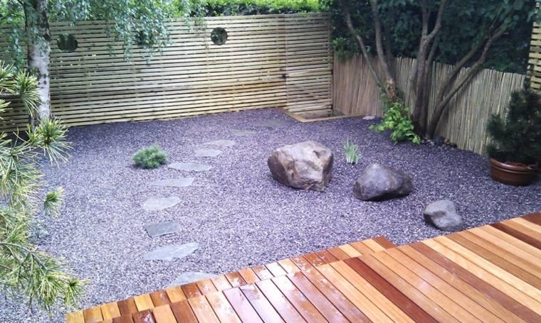 decorar jardin zen rocas