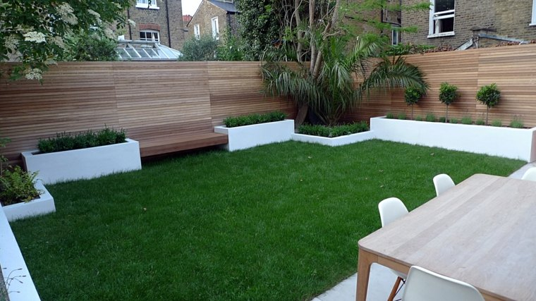 Parcelas rectangulares y jardines de chalets adosados 24 for Jardin pequeno moderno