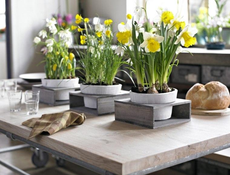 decorar mesa flores narcisos
