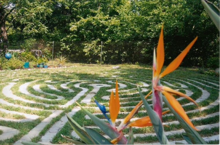 decorar suelo jardin laberintos