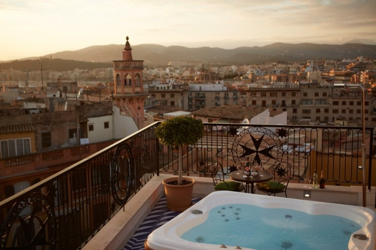 Decoracion terrazas chill out 25 lugares m gicos y - Jacuzzi en terraza ...