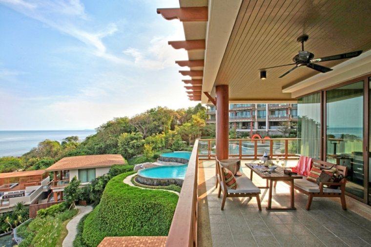 Decorar terraza peque a 24 dise os elegantes for Mesas para terrazas pequenas