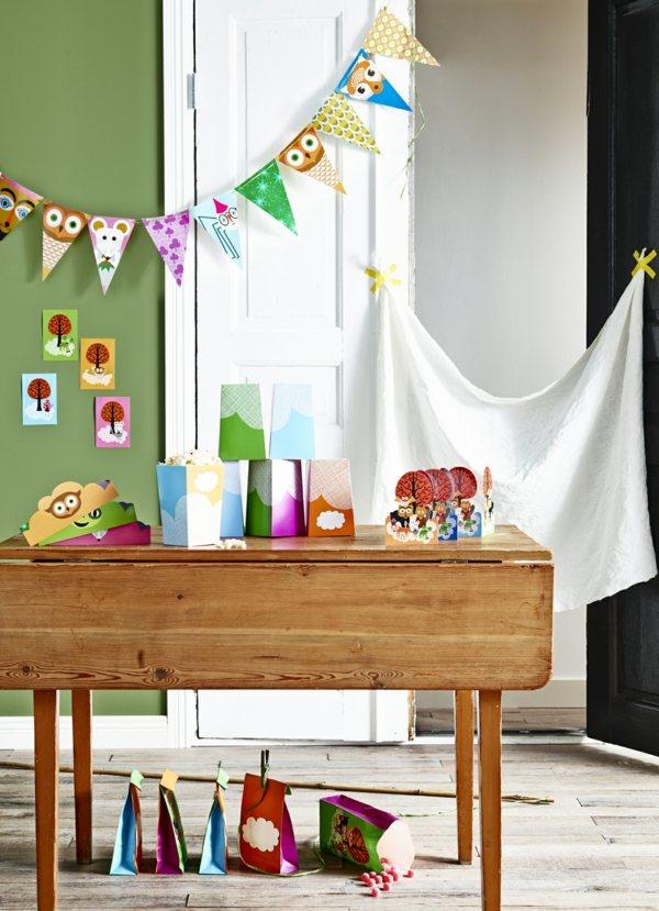 fiestas infantiles guirnaldas bolsas regalos colores ideas