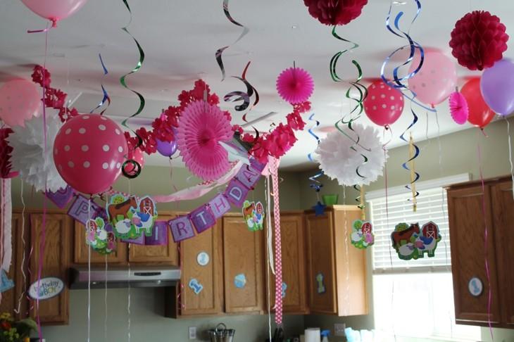 ideas decoracion cumpleaños muebles globos rosa