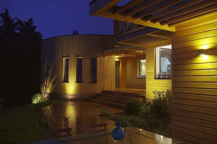 Iluminacion exterior jardines llenos de vida y color - Jardines de exterior ...