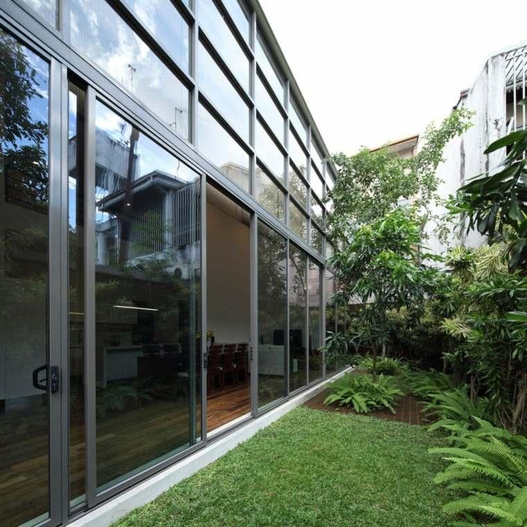 jardin estrecho casa disenada KWA Architects ideas