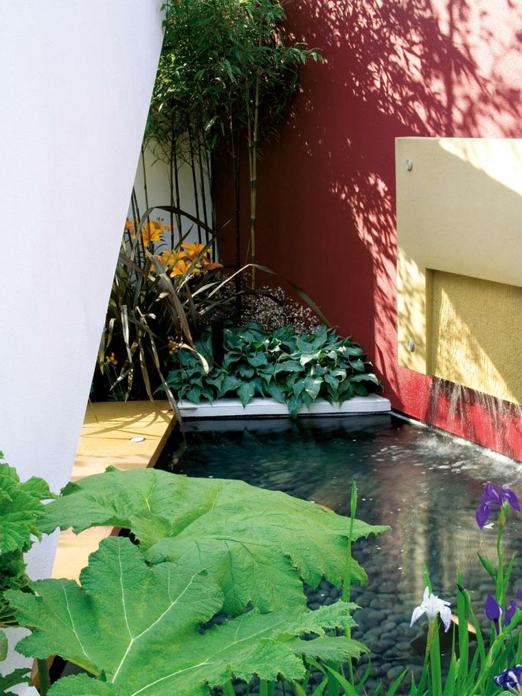 jardin pequeño fuente pared