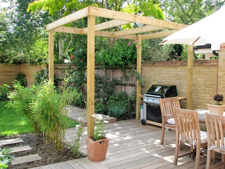 jardines pequeños pergolas madera