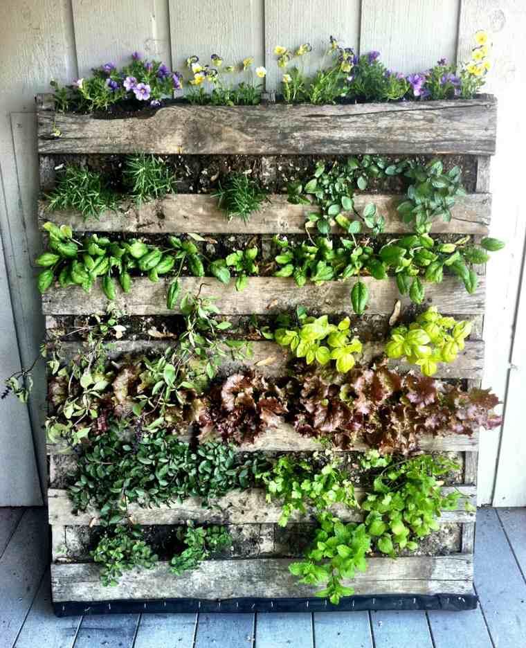 jardin vertical con palets efectos configuracion envejecidas