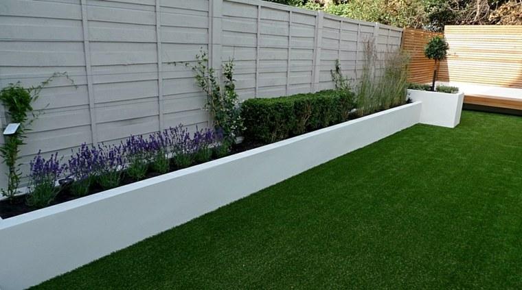 Parcelas rectangulares y jardines de chalets adosados 24 for Jardineras para patios pequenos
