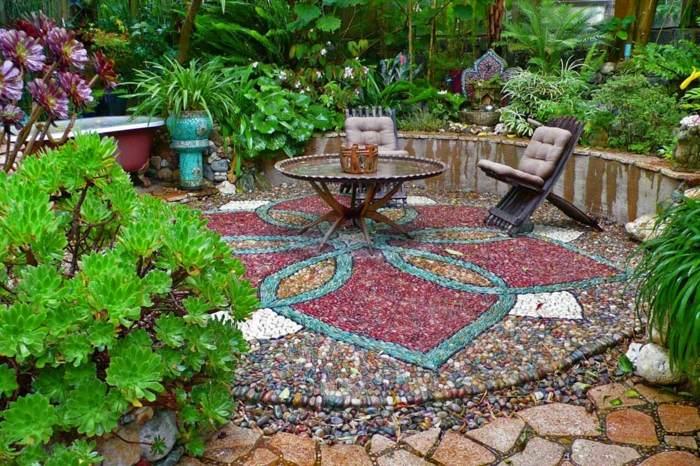 jardines mosaicos sillas plegables patio jarrones