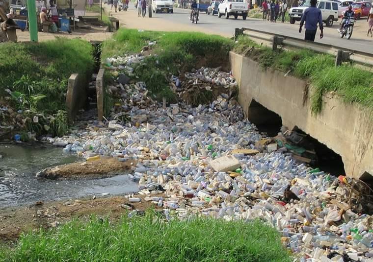 maquina reciclar basura plastico