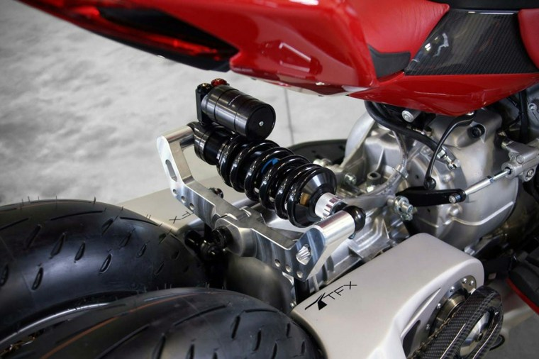 motocicletas estilos gomas rojo luces