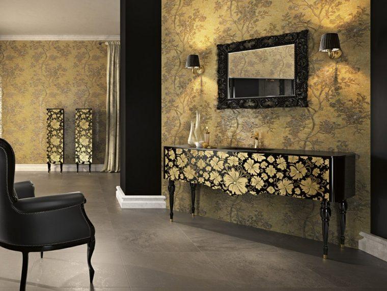Baños Diseno Clasico:lavabo con estampa floral en el baño con diseño clásico italiano