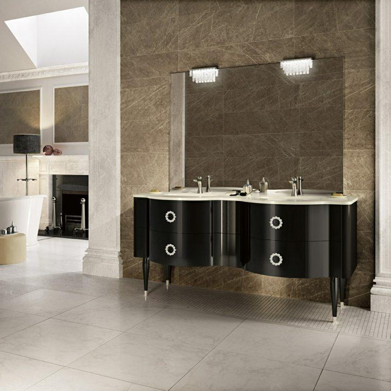 Baños Diseno Clasico:dos lavabos en el baño con diseño clásico italiano