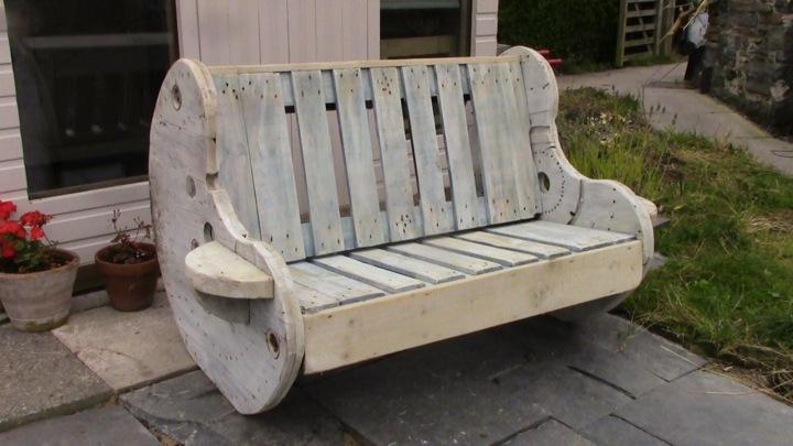 Muebles jardin con palets adaptados a diferentes entornos for Muebles de jardin hechos con tarimas