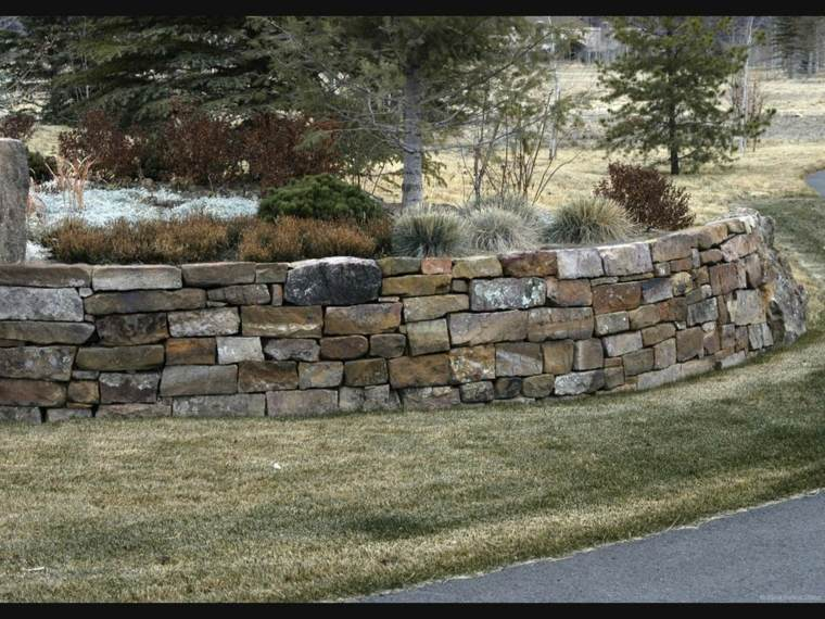 muro de piedras forma redondo