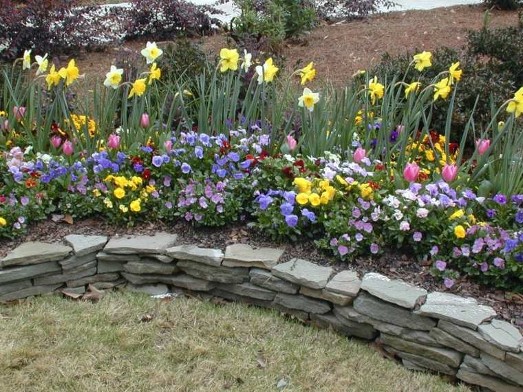 muro piedras deco flores
