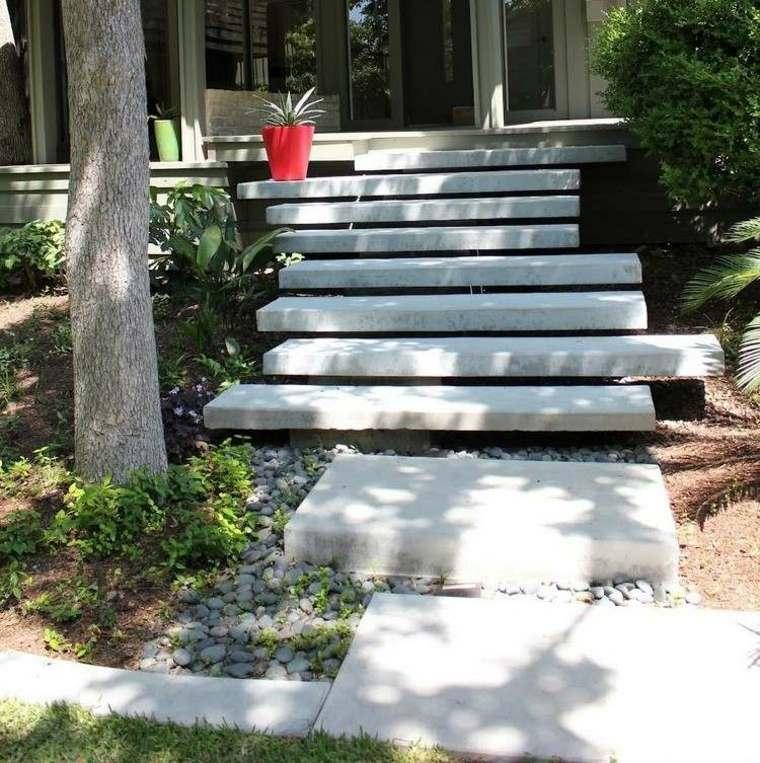 original diseño escaleras jardin hormigón