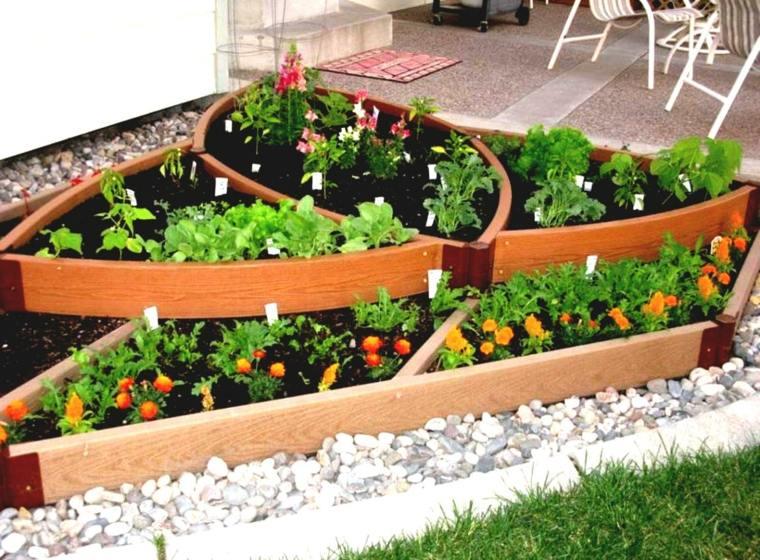 Huerto en el balc n treinta y cuatro ideas sencillas for Plantas beneficiosas para el huerto