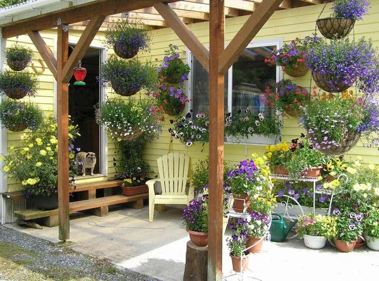 original decoración porche jardin