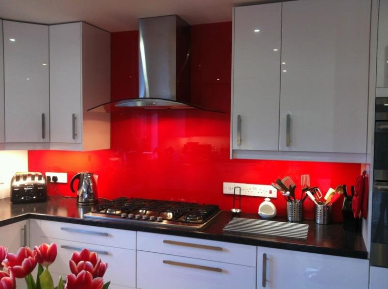 pared salpicadero cocina color rojo