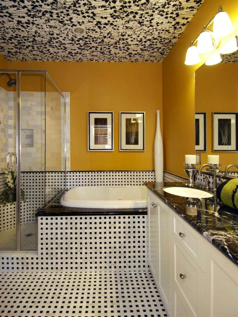 paredes baño amarillo intenso