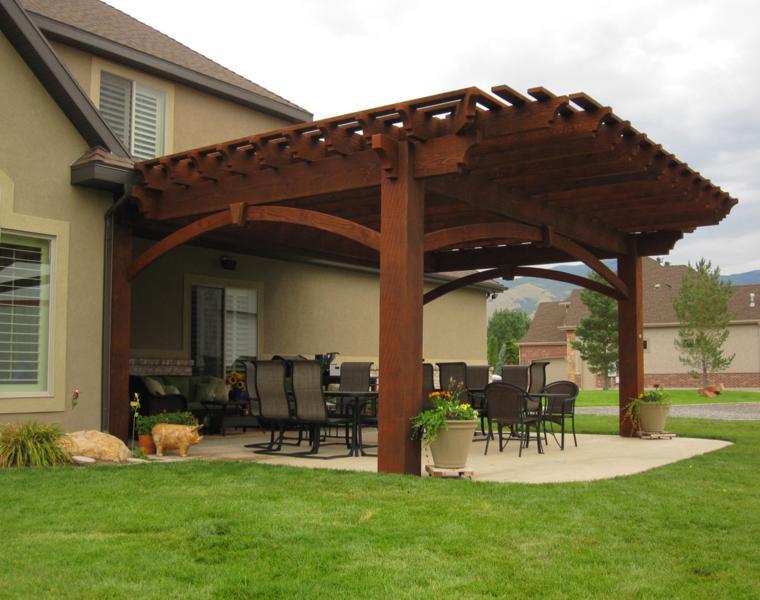 P rgolas madera dise os originales con tejados estilo - Porches de jardin ...