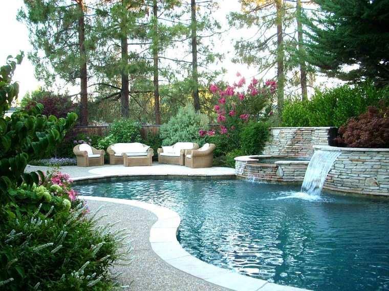 piscinas diseno original jardin fuente agua ideas