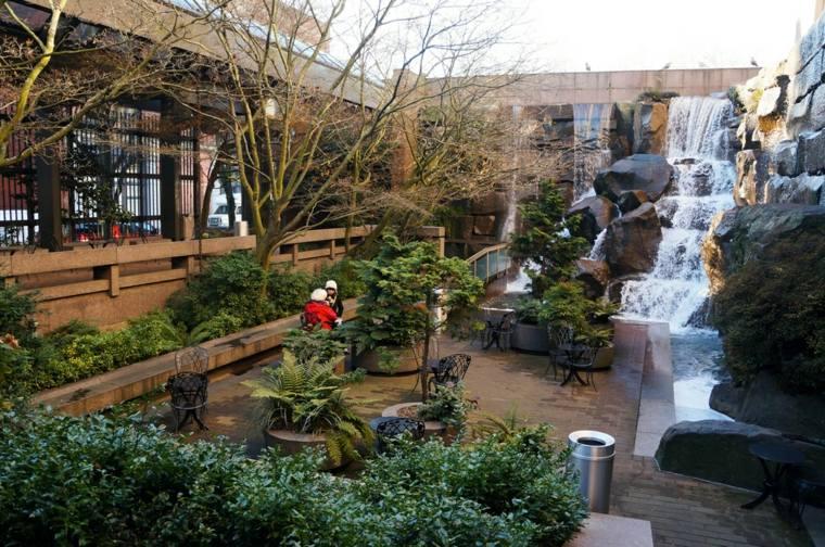 Cascadas y fuentes de jard n modernas 42 ideas estupendas for Cascadas jardin zen