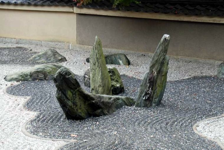 rocas afiladas jardines zen piedras