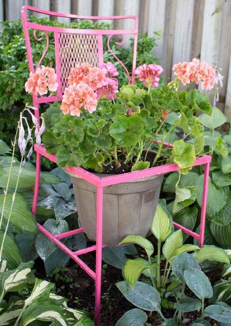 silla convertida macetas jardin moderno ideas