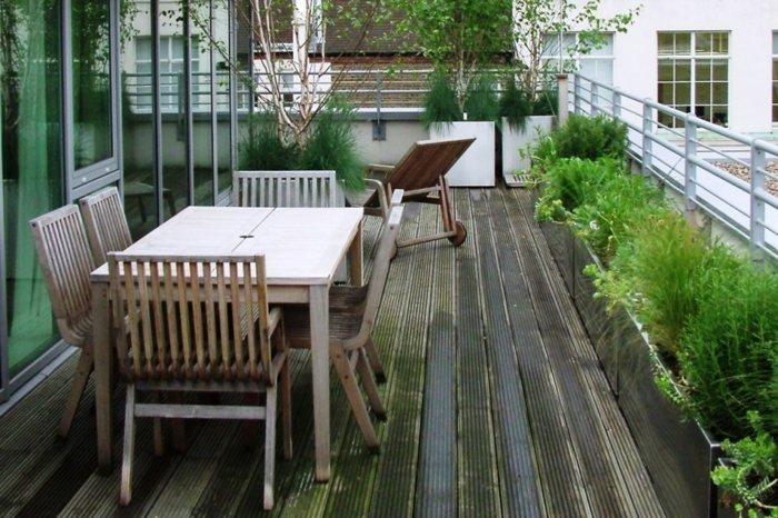 sillas exteriores muros contrastes plegables