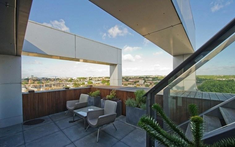 terraza amplia lugar descanso sillas ideas