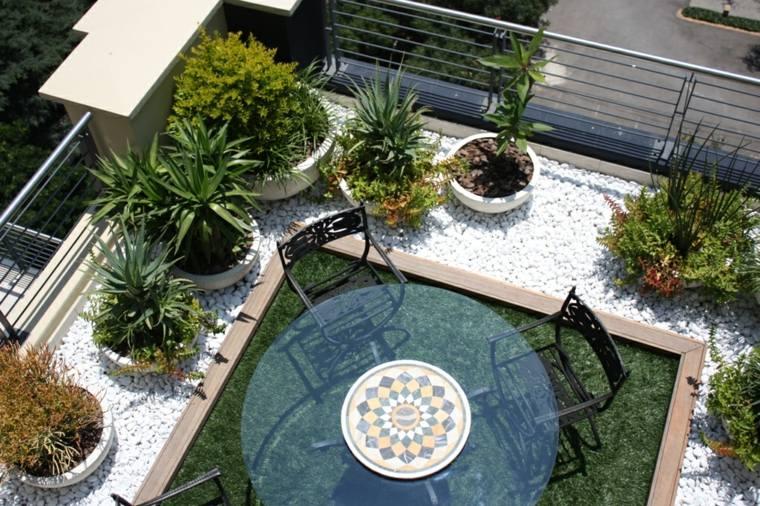 jardineria terraza atico piedras plantas