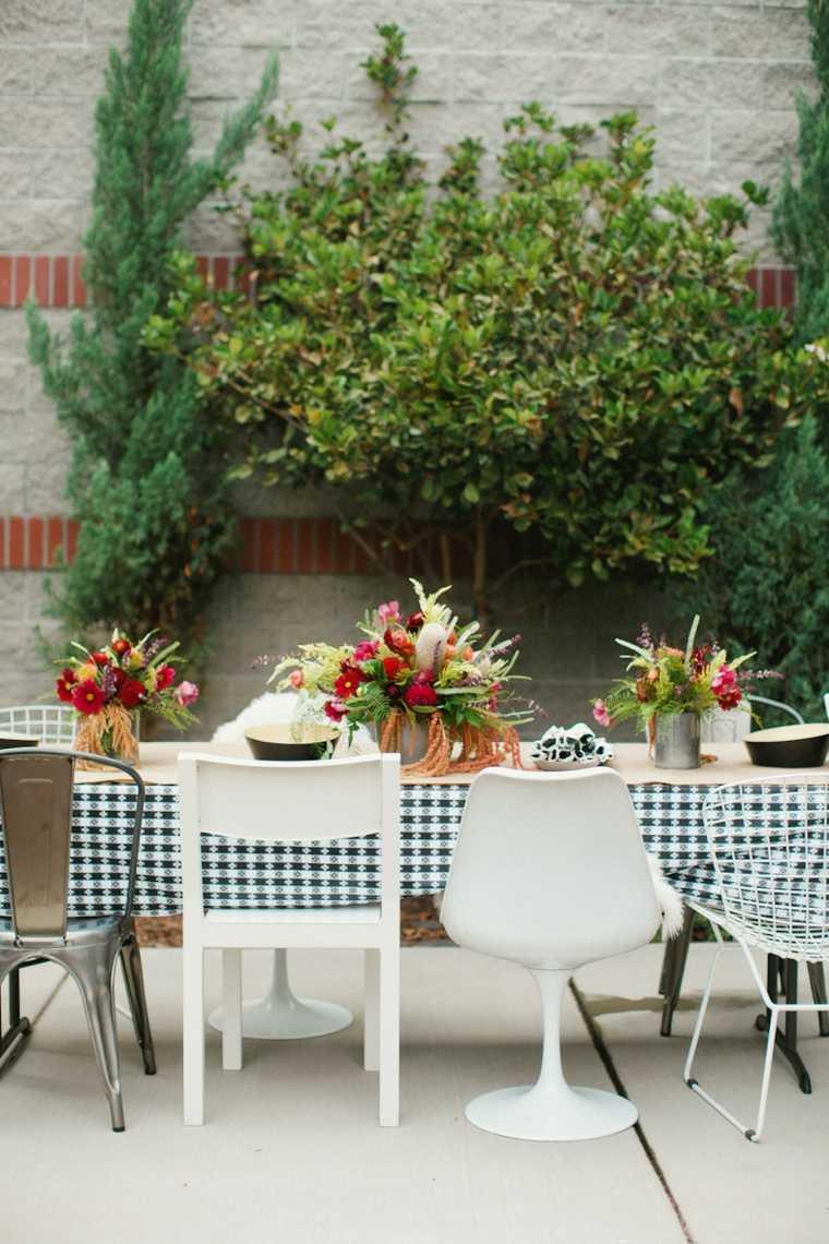 terraza deco mesa comedor flores