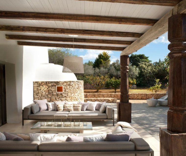 Terrazas exteriores modernas 25 opciones de dise o for Tejados de madera modernos