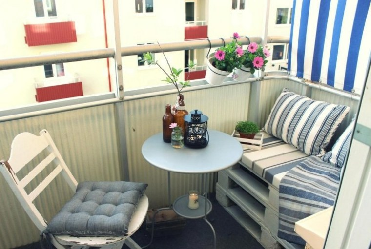 bonita decoración balcon pequeno