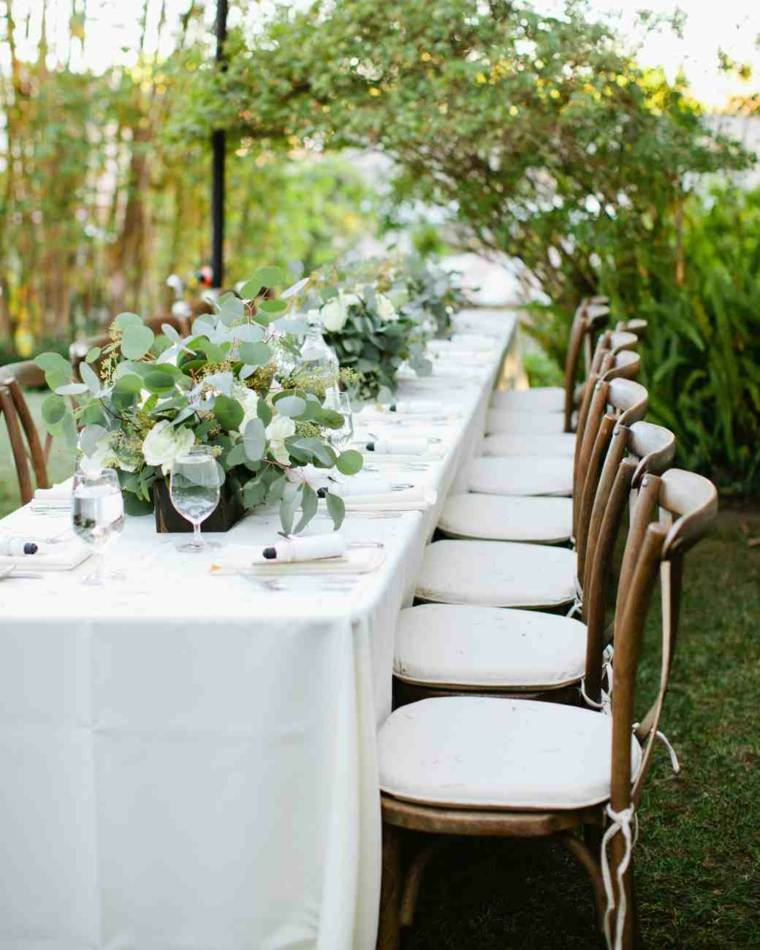 Centros de mesa sencillos para boda y consejos for Mesas para jardin