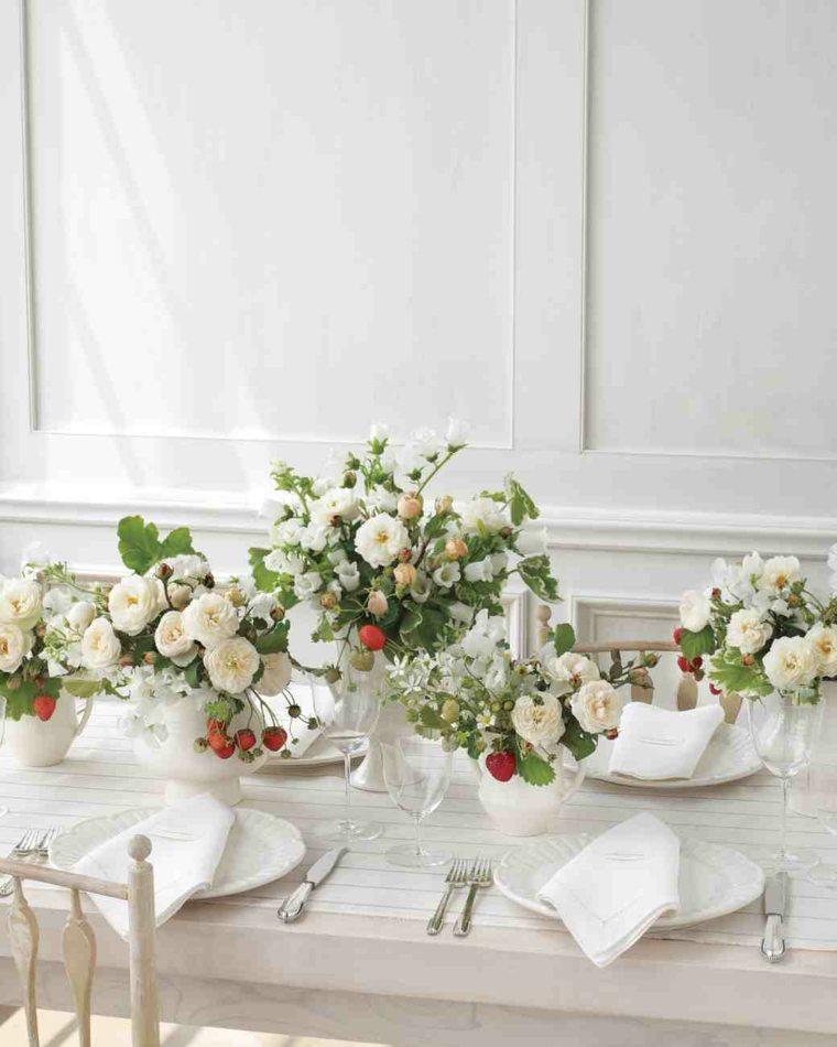 centros mesa sencillos para boda flores blancas mesa ideas