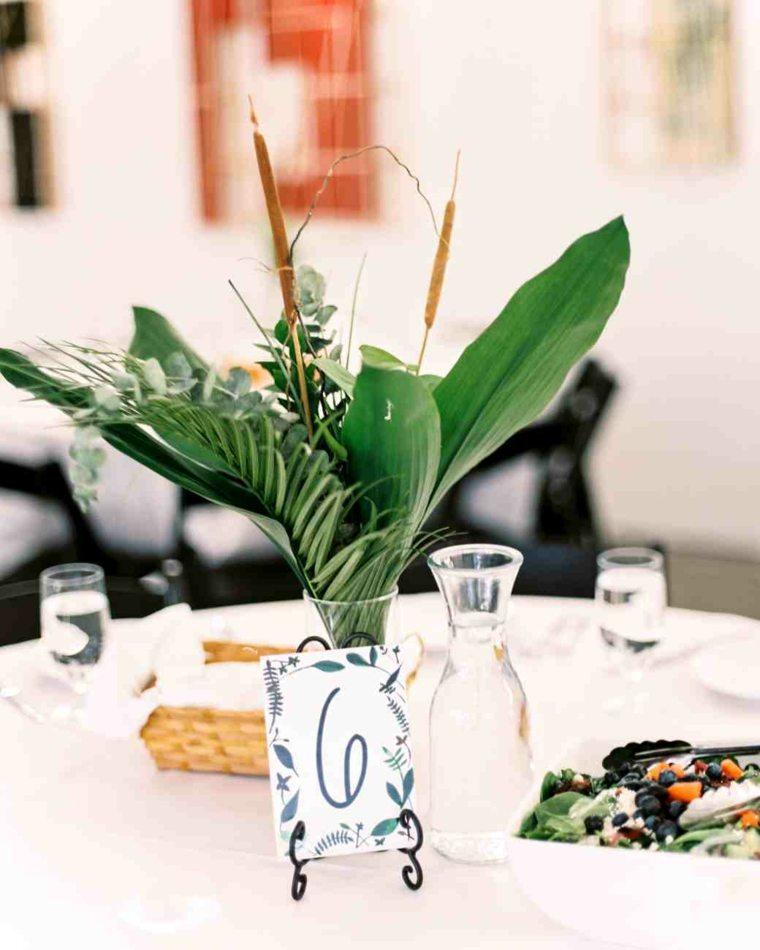 centros mesa sencillos boda hojas verdes plantas ideas