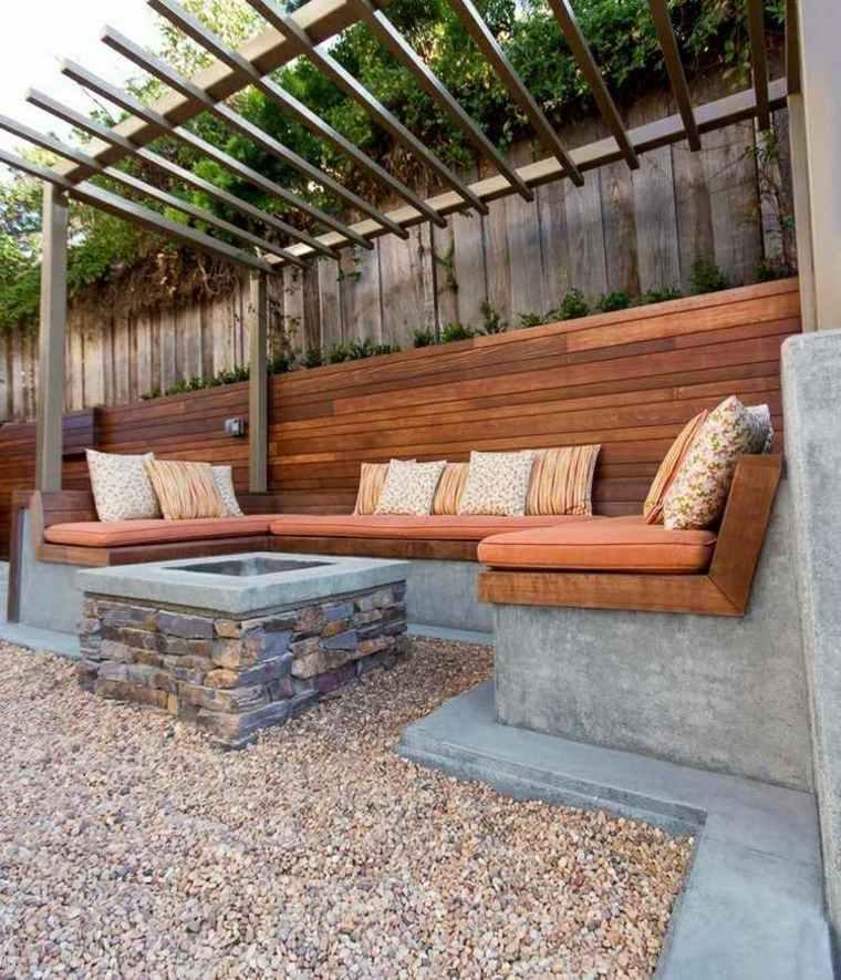 chimenea piedra jardin moderno