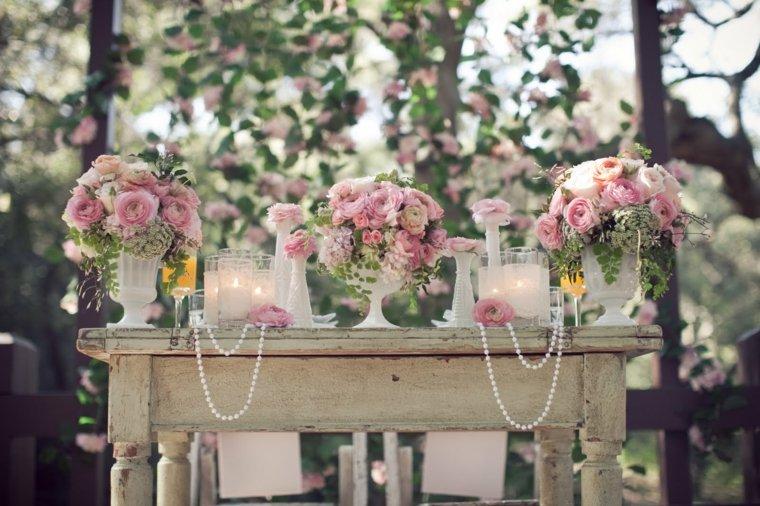 decoracion romantica jardin mesa vintage flores perlas ideas