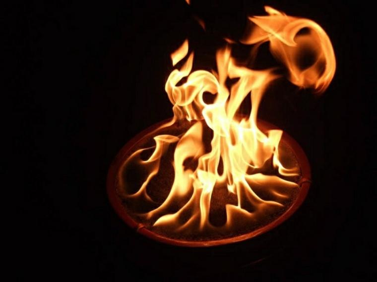 diseno jardin pozo fuego noche