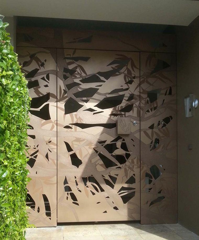 Puertas de entrada de dise o moderno 49 modelos for Puertas de metal con diseno