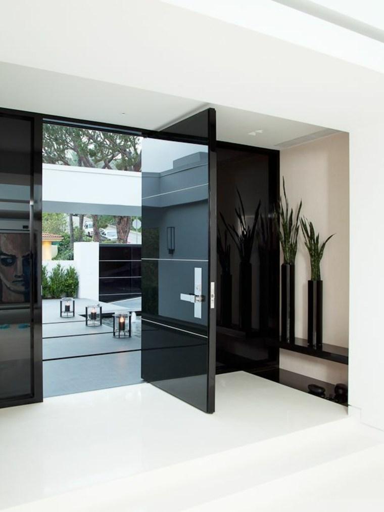 Puertas de entrada de dise o moderno 49 modelos for Casas modernas con puertas antiguas