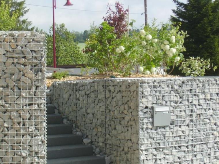escaleras jardin gavion piedras grises